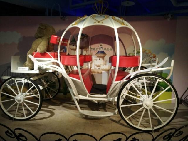 World Chocolate Wonderland horse carriage