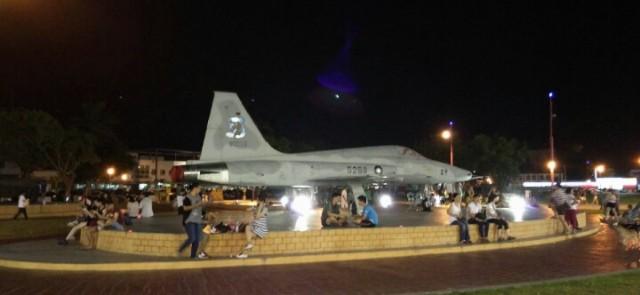 Plane at Dongdamen Night Market