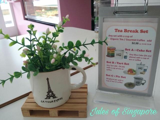 Naomi Kitchen café near Serangoon NEX Mall set meal